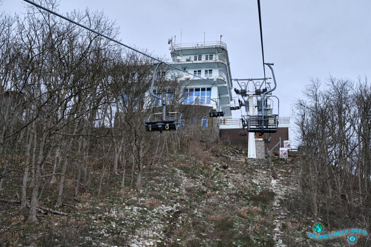 Верхняя станция - Канатная дорога в Сафари-парке Геленджик
