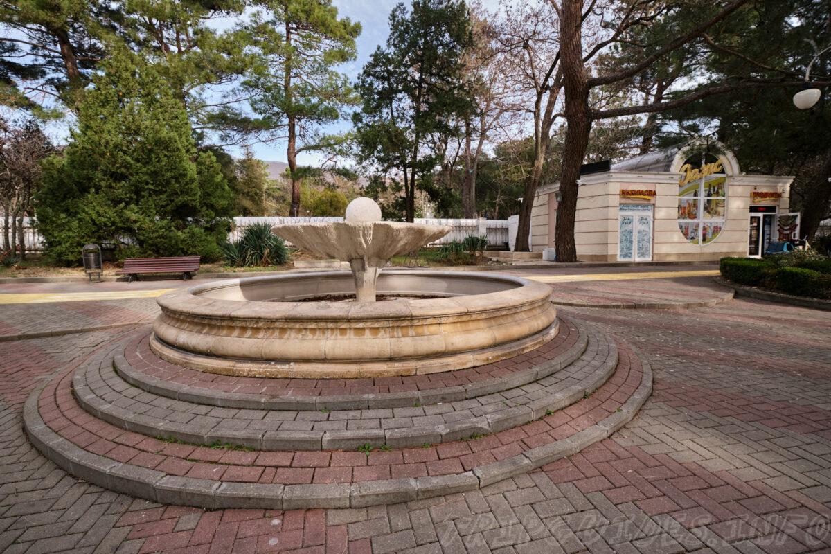 Лермонтовский бульвар, фонтаны - Набережная Геленджика