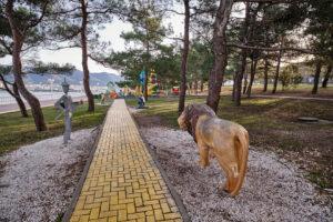 Детская площадка Изумрудный Город - Набережная в Геленджике