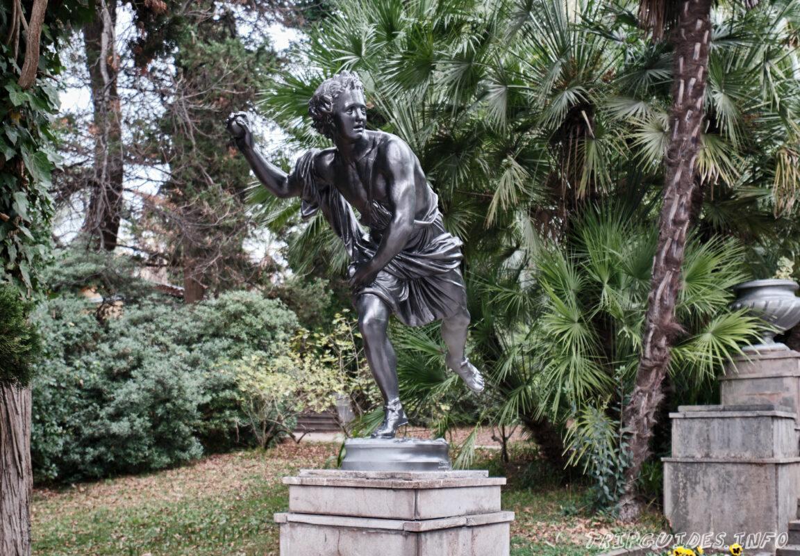 Сочинский дендрарий - скульптуры
