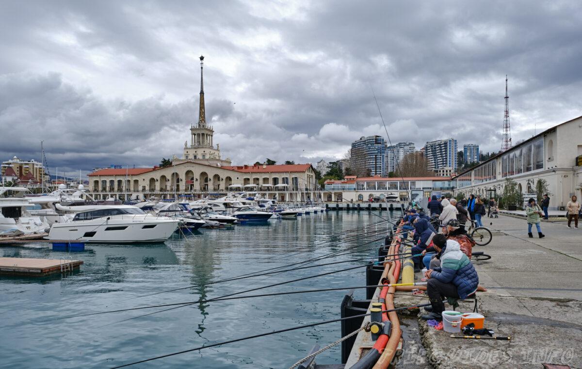 Сочинский морской торговый порт в городе Сочи