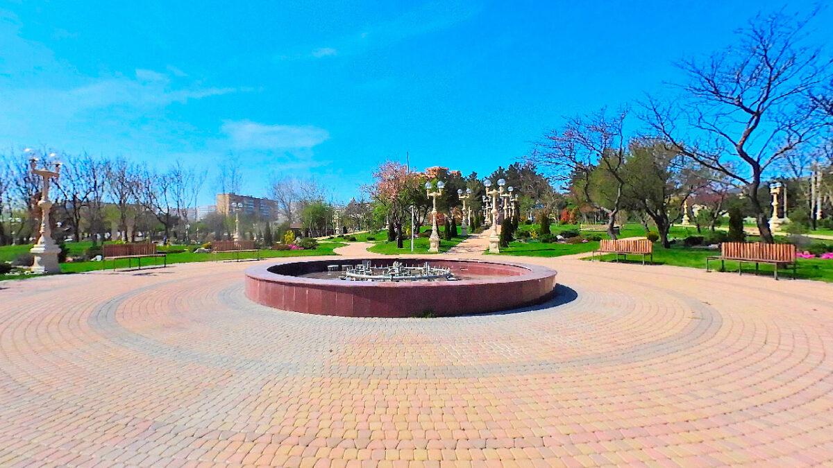 Андреевский парк в Геленджике - юг России - Фонтан