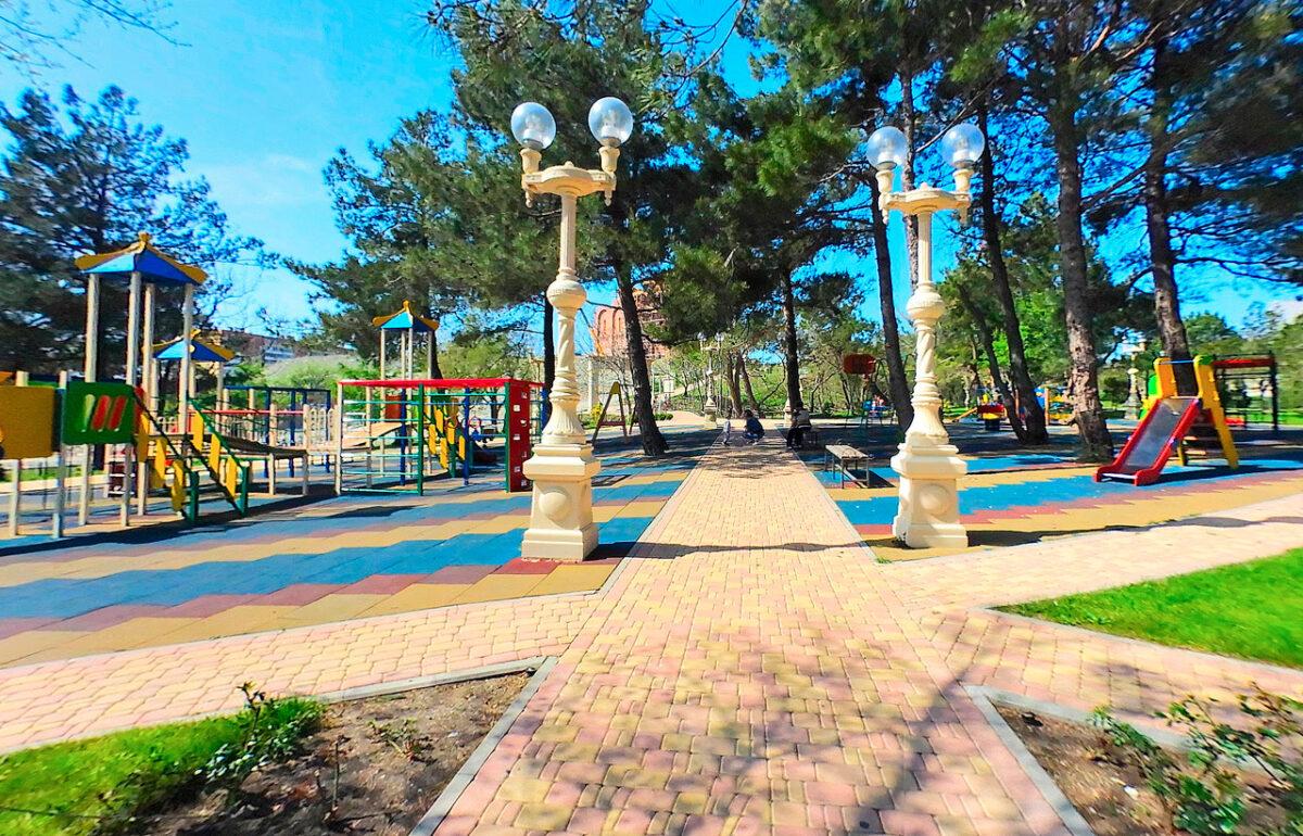 Андреевский парк в Геленджике - юг России - Детская площадка