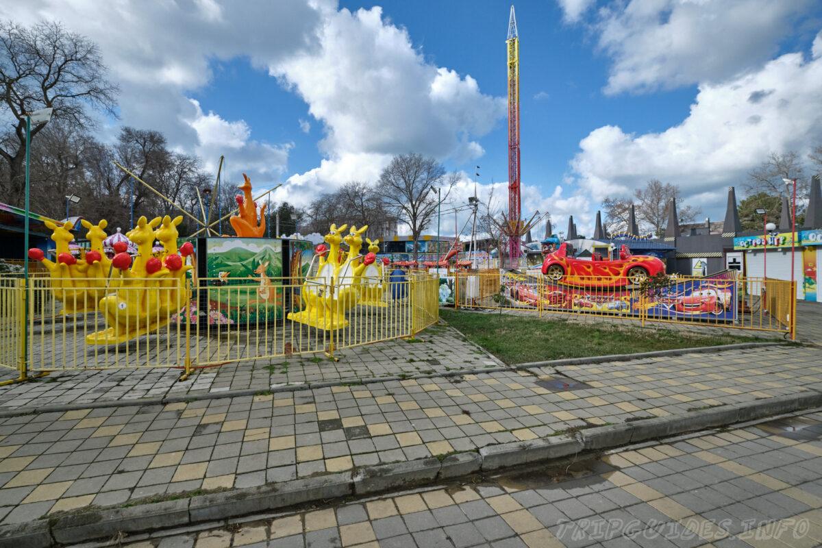 Аттракционы - Парк имени 30-летия Победы в Анапе
