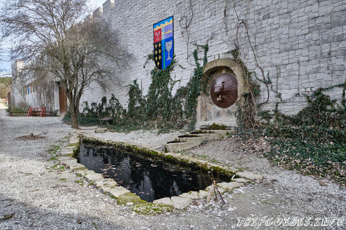 Замок «Львиная голова» в Сукко