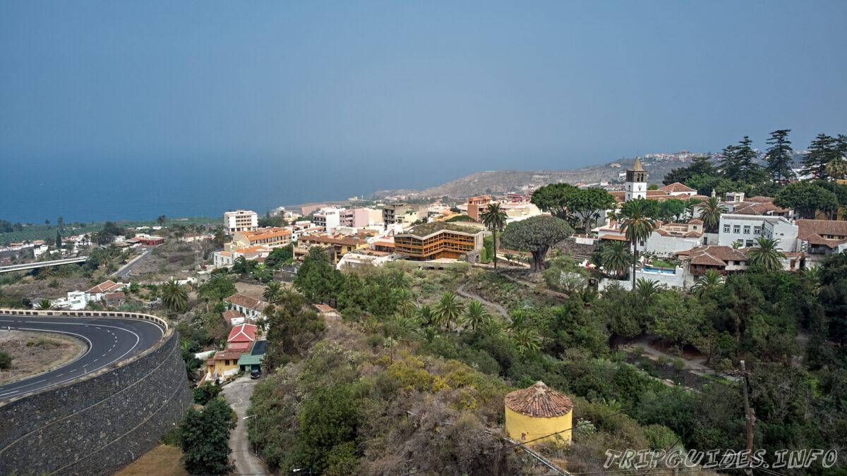 Панорамный вид на Икод-де-Лос-Винос на Тенерифе в Испании